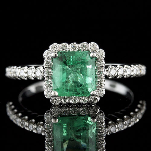 Colombian emerald with fishtail-set diamond halo 18K white gold engagement ring 1158RF03