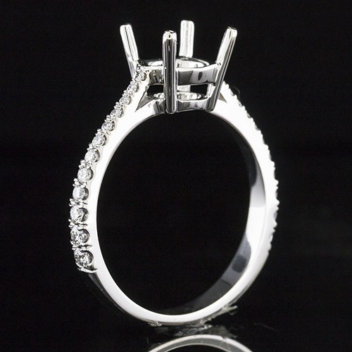 1601-1 Traditional style graduated Groove-set diamond tapered shank platinum engagement ring semi mount