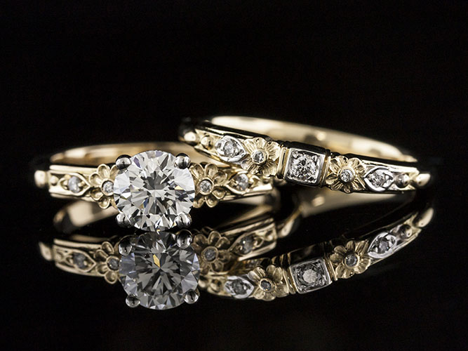 1637Y-1 Victorian-inspired floral motif diamond two-tone 18K gold engagement ring semi mount