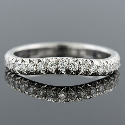 1403W-101P Curved cutdown-set diamond platinum half dome profile half stone wedding band
