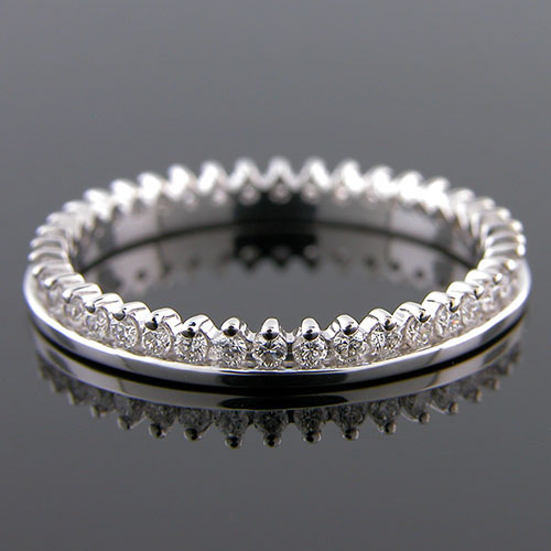 593-101P Single row flush fit Micro prong set diamond platinum wedding eternity band